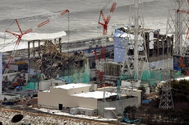 3�`圏の空から福島第1原発を見た