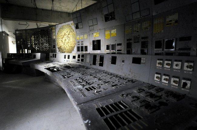 チェルノブイリ原発、27年 廃炉手つかず