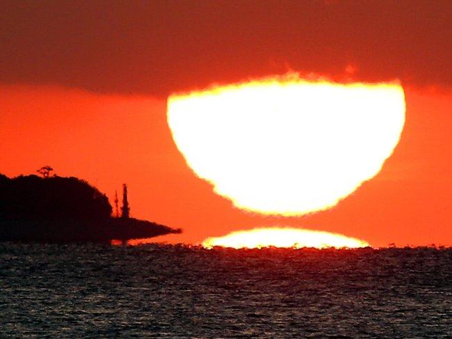 だるま太陽 冬の幻影
